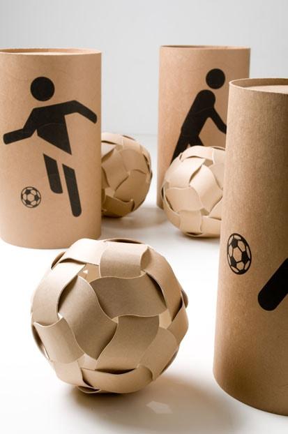 Dreamball – o Umpluged Design Studio reutilizou sobras de embalagem para criar este brinquedo acessível para crianças desprivilegiadas, que normalmente usam a imaginação para criar os seus brinquedos.