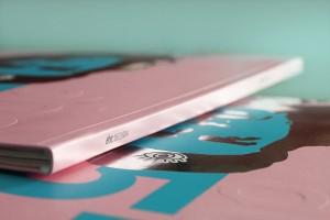 Detalhe do hot stamping aplicado na capa
